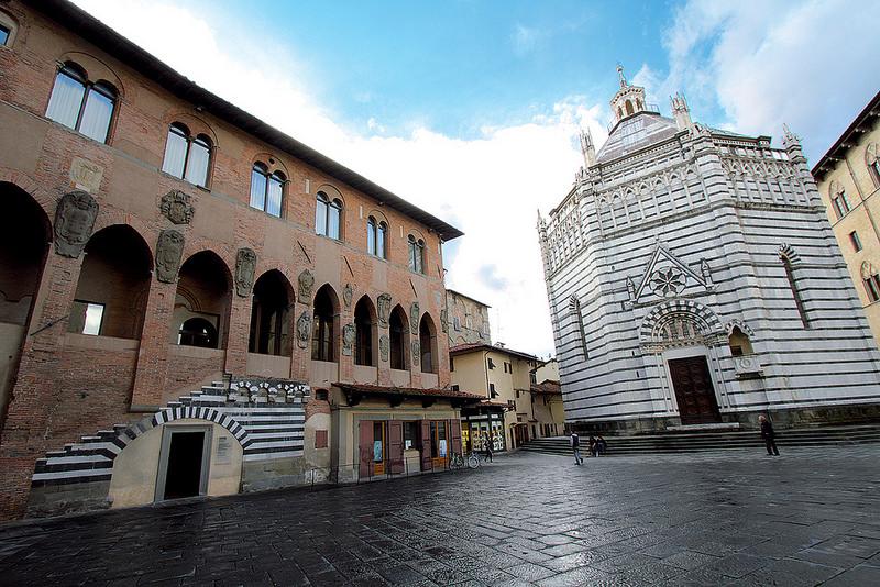 Piazza del Duomo a Pistoia