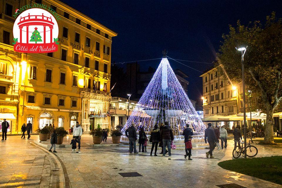 Montecatini Villaggio Babbo Natale.Montecatini Diventa La Citta Di Babbo Natale Discoverpistoia
