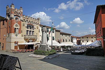 piazza montecatini alto locali
