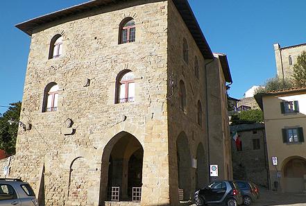 palazzo capitano uzzabo castello