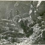 La spedizione Tucci scende nel dirupo (Spiti, India) 1933