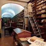Una sala della Biblioteca Forteguerriana