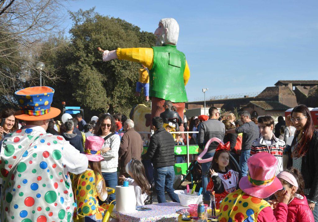 Carnevale a Pistoia, tornano i carri allegorici in Piazza della Resistenza