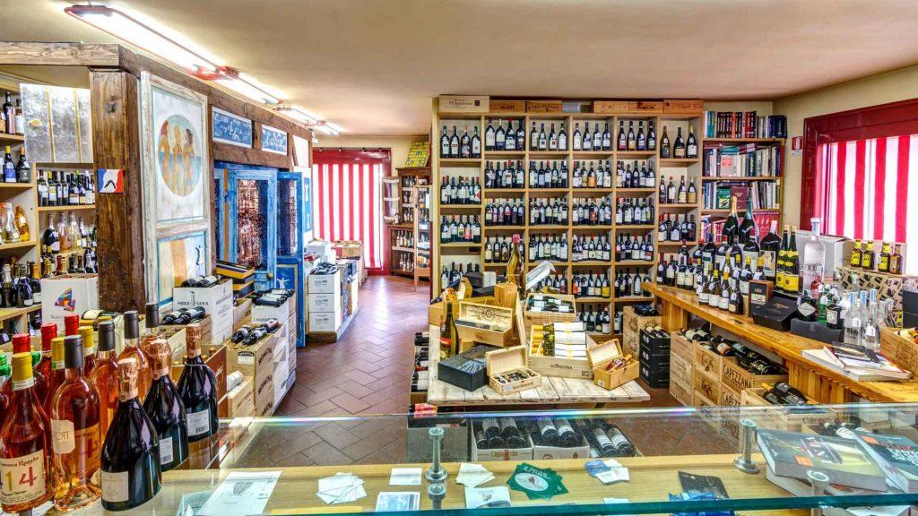 Enoteca Carlo Lavuri – Un pezzo importante della storia del vino in Toscana
