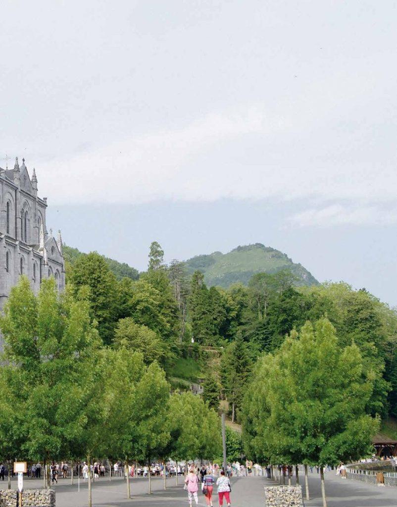 """Lourdes ha un nuovo spazio verde """"Il giardino del   silenzio"""""""